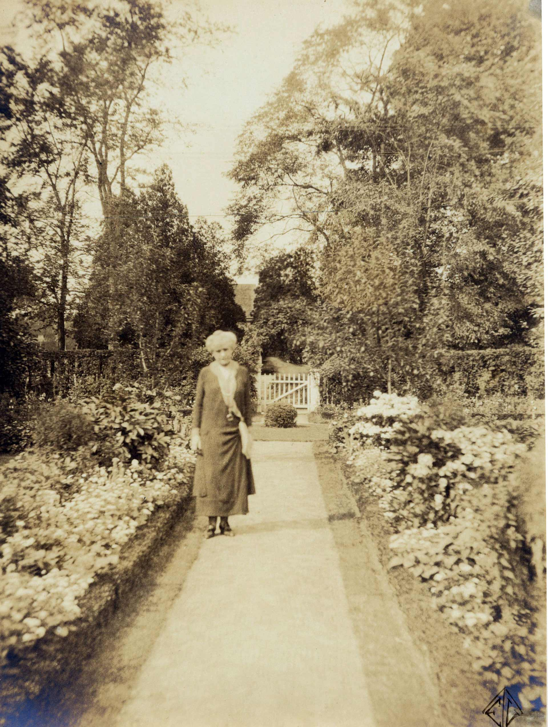 Photographs: Painted Gardens, Part 2—The Ludington Estate - Florence ...