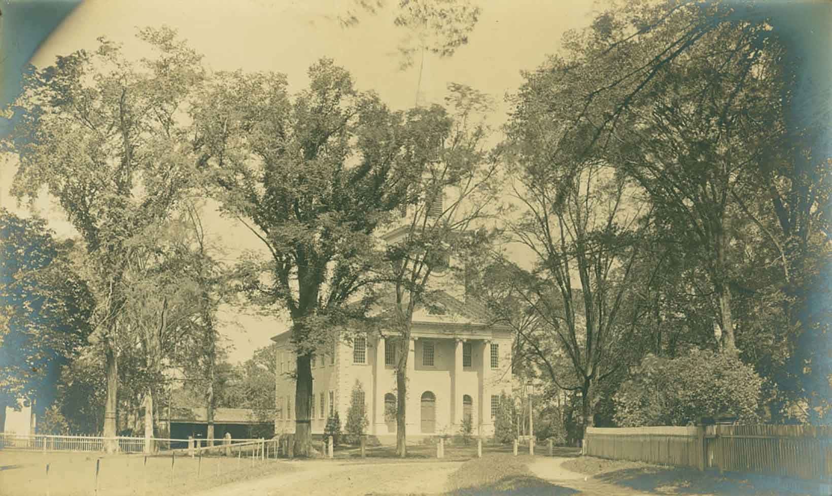 Landmarks: Old Lyme's Meetinghouse, Part III—The Controversy